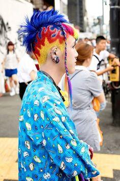 Kawaii Harajuku boy Kanata waiting to cross the street in Harajuku tonight. (Tokyo Fashion, 2015)