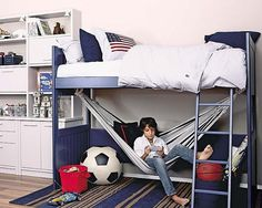 Loft bed with a hammock underneath...Love this idea! Great for sleep overs and reading!