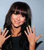 Jennifer Love Hewitt; love the color and the bangs