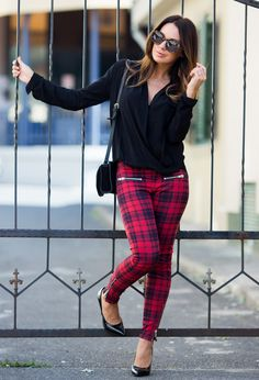 Must have Fall prints for 2014. You can't go wrong with a nice pair of (Plaid) skinny pants and I have them!