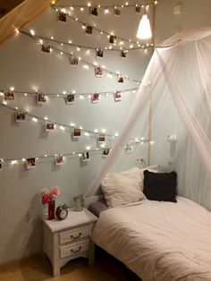What You Must Consider for Cozy Bedroom Lighting – Bedroom Design Ideas - Small room design Bedroom Decor Lights, Bedroom Decor For Couples, Bedroom Lighting, Home Decor Bedroom, Wall Lighting, Wall Decor, Bedroom Ideas For Small Rooms Women, String Lights In The Bedroom, Lighting Stores