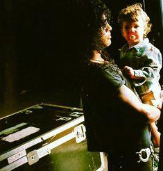 Slash and his son Guns N Roses, Bon Jovi, Saul Hudson, Velvet Revolver, Rare Images, Axl Rose, Music Icon, 80s Music, Music Guitar