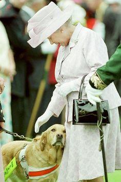 Casual appreciator of Queen Elizabeth II and The Duke of Edinburgh. Die Queen, Hm The Queen, Queen Love, Her Majesty The Queen, Save The Queen, Princesa Diana, George Vi, Prinz Philip, Reine Victoria