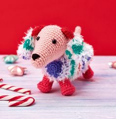Snowy The Dachshund - free crochet pattern by Hannah Cooper at Top Crochet Patterns. (Reg required).