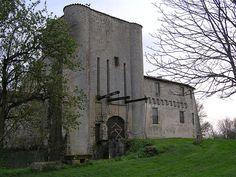 Villeneuve-la-Comtesse, Charente-Maritime. Pop: 734