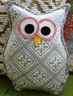 Owl Pillow. I wonder if I could make something similar?