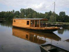 Saint Germain, Camper, River, Photos, Yachts, House Styles, Glamping, Boats, Cabanas