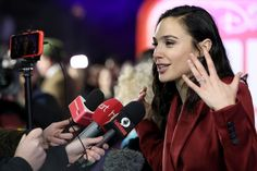 """Gal Gadot Photos - Gal Gadot attends the UK Premiere of Disney's """"Ralph Breaks The Internet"""" at the Curzon Mayfair on November 2018 in London, United Kingdom. - UK Premiere Of 'Ralph Breaks The Internet' Stock Pictures, Cool Pictures, Stock Photos, Gal Gadot Photos, Apple Iphone, Samsung, Bbc Broadcast, Cute Woman, Still Image"""