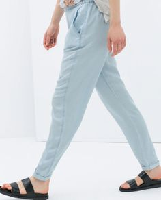 Image 4 of LOOSE-FIT TROUSERS WITH ELASTIC WAIST BAND from Zara