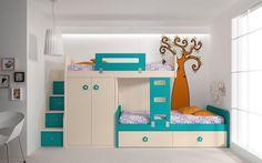 Bonita y alegre litera en colores crema, con una pequeña escalera y cajonera, además de un pequeños armario.
