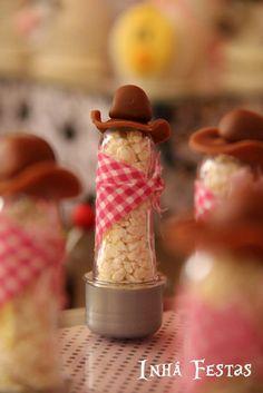 Tubete com chapeuzinho e canjica para lembrancinhas úteis e comestíveis | #daJuuh
