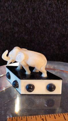 Vintage miniature Elephant on black and White diamond shaped base Diamond Shapes, Elephant, Miniatures, Base, Black And White, How To Make, Vintage, Black White, Blanco Y Negro