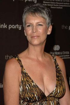 Jamie Lee Curtis, Lady Haden-Guest (born November is an American actress and author. Jamie Lee Curtis Young, Tony Curtis, Beautiful Celebrities, Beautiful Actresses, Christina Richie, Carol Kirkwood, Janet Leigh, Celebrity Pictures, American Actress