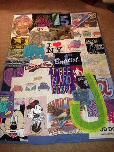 Custom TShirt quilt DIY