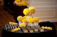Escort Cards Table : Floral Arrangements and Decor via Belle The Magazine Wedding Arrangements, Table Arrangements, Floral Arrangements, Wedding Seating, Wedding Tables, Wedding Receptions, Sophisticated Bride, Table Cards, Menu Cards