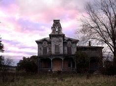 Old Spooky House by DeCollectionWare Creepy Old Houses, Old Abandoned Houses, Abandoned Buildings, Abandoned Places, Haunted Houses, Abandoned Castles, Old Mansions, Abandoned Mansions, Beautiful Ruins