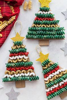 Christmas Trees For Kids, How To Make Christmas Tree, Christmas Crafts For Kids To Make, Preschool Christmas, Christmas Tree Themes, Homemade Christmas, Simple Christmas, Christmas Tree Ornaments, Christmas Diy
