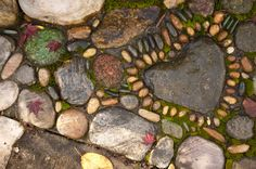 Garden Pathway Pebble Mosaic Ideas For Your Home Surroundings Mosaic Rocks, Pebble Mosaic, Pebble Art, Rock Mosaic, Mosaic Wall, Garden Paths, Garden Landscaping, Moss Garden, Landscaping Ideas