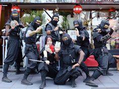 忍者集団が作った手裏剣、姫路城下にお目見え-「三木金物」メーカーとコラボ(写真ニュース)