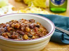 Steak Chili Con Carne Stuffed Jalapeno Peppers, Stuffed Green Peppers, Mexican Food Recipes, Beef Recipes, Strip Steak, Canned Tomato Sauce, Canned Black Beans, Easter Recipes, Soups And Stews