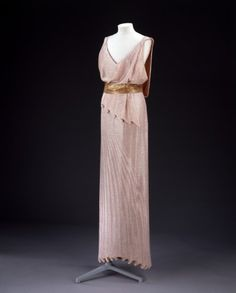 Evening Dress, Jean Patou, 1932-1924 I'm going to a Toga party, and I kind of wish I had this to wear instead. It reminds me of Megara.