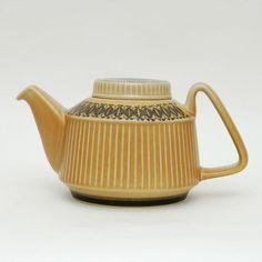 Norrøna - Stavangerflint Pottery Teapots, Ceramic Teapots, Stavanger, Tea Art, Scandinavian Design, Danish, Tea Time, Christ, Wonderland