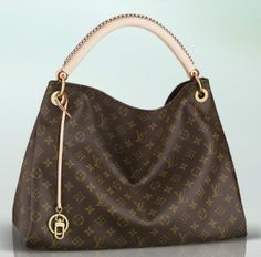luxury womens designer handbags http://www.showcaseconsignments.com LV the whole sales price for you! www.lvbags-omg.com