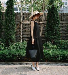 Lil Black Dress, Hats, Vintage, Dresses, Fashion, Vestidos, Moda, Hat, Fashion Styles