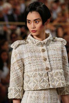 Chanel HC AW 2015-16 #CerclePrive Visit espritdegabrielle... | L'héritage de Coco Chanel #espritdegabrielle