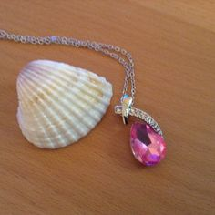 Stunning Silver Necklace With Pink Crystal