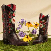 Take a look at the Macie Bean event on today! LUV these girlie boots! Macie Bean Boots, Leather Boots, Cowboy Boots, Beans, Take That, Footwear, Pairs, My Style, How To Wear