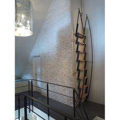 Spiral staircase / glass steps / metal frame / open - ESCALIER VERRE - Bruge Valé
