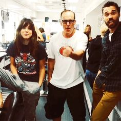 Chloe Bennet, Clark Gregg, Brett Dalton || 500px × 500px || #animated #cast #bts