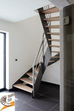 Stalen trap uitgevoerd met stalen plaattreden en rvs leuningen minimalistische trap - Redo houten trap ...