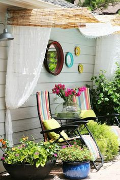 Reed fencing for a cool outdoor shade - Decoist