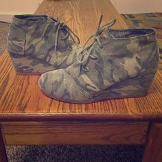 Toms wedge camo size 8.5 Toms original wedge in the camo canvas print - very lightly worn TOMS Shoes Ankle Boots & Booties