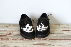 Vintage HUSH PUPPIES Shoes / 1990s Oxfords  I had some very similar from 1986