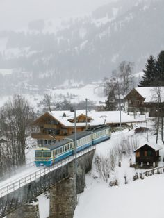 Ski Train, Gstaad, Bern, Switzerland