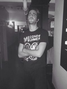 Jack in a 5 Seconds Of Summer shirt>>>not sure if I should pin this under my ATL board or my 5SOS board