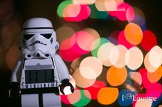 It's Christmas Time! This time of year there are plenty of Christmas light decorations everywhere, it's basically bokeh heaven. I'm going to show you how to create amazing bokeh with any camera and lens, and to prove my point I'm...