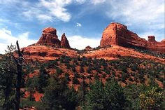 Everyone must see the red rocks of Sedona, AZ at least once!
