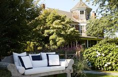 Tour a Hamptons Farmhouse Bursting with Style – One Kings Lane — Our Style Blog