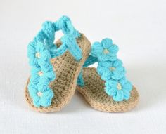 New CROCHET PATTERN  Baby Sandals with Little Puff Flowers by matildasmeadow on Etsy