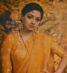 Old Bollywood Movies, Dream Catcher Mandala, Beautiful Bollywood Actress, My Idol, Superstar, Leather Jacket, Actresses, Beauty, Warfare