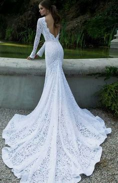 Absolutely stunny lace wedding dress...