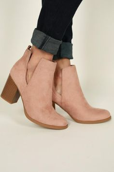 Madewell Boots, Business Casual Shoes, Boots Online, Crazy Shoes, Cute Shoes, Style Guides, Designer Shoes, Spring Outfits, Chelsea Boots