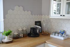 Home Decor Kitchen, Interior Design Kitchen, Home Kitchens, Tile To Wood Transition, Diy Tile Backsplash, Kitchen Layout Plans, Hexagon Tiles, Cuisines Design, Kitchen Backsplash