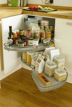 Full-Extension Corner Storage Unit 800mm & 1000mm - Storage Solutions - Accessories - Kitchen Collection - Howdens Joinery