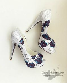 Hand painted wedding shoes and occasion shoes Gemma Kenward has painted for customers all over the world. Yellow Wedding Shoes, Silver Wedding Shoes, Cinderella Pumpkin Carriage, Occasion Shoes, Shoe Gallery, Hand Painted Shoes, Shoe Company, Bride Shoes, Stiletto Heels