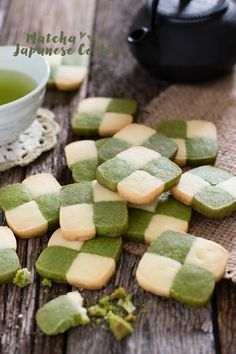 Matcha Japanese cookies are checkerboard cookies. Instead of using cacao powder Matcha green tea powder is used. Matcha Cookies, Japanese Cookies, Japanese Sweets, Tea Recipes, Cookie Recipes, Dessert Recipes, Checkerboard Cookies Recipe, Japanese Diet, Crack Crackers
